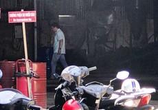 Cháy nhà xưởng do sang chiết xăng dầu, 1 người tử vong