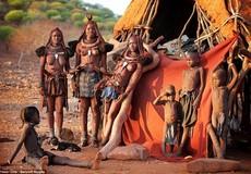 """Cuộc sống hoang sơ của tộc người xinh đẹp bậc nhất """"Lục địa đen"""""""