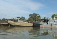 Bắt 8 thuyền khai thác cát trái phép trên sông Hương