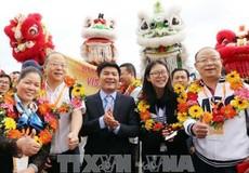 Hàng ngàn du khách nước ngoài 'xông đất' Đà Nẵng đầu năm 2018