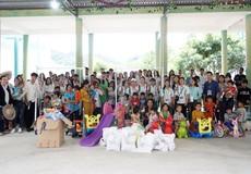Tủ sách hiếu học dành tặng trẻ nghèo Quảng Nam