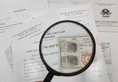 Giấy tờ giả qua mặt công chứng viên, trách nhiệm thuộc về ai?