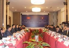 Bộ trưởng Lê Thành Long kết thúc tốt đẹp chuyến thăm và làm việc tại Lào