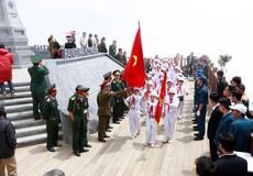 Lễ thượng cờ đặc biệt trên đỉnh Fansipan dịp kỷ niệm ngày 27/7