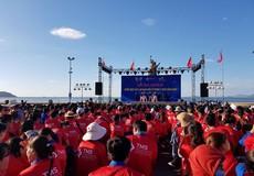 """Sôi động chiến dịch """"Hãy làm sạch biển từ trong ý thức cộng đồng"""" lớn nhất Quy Nhơn  2018"""