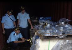 Hải quan phát hiện Công ty Posco SS Vina buôn lậu phụ tùng ô tô dưới vỏ bọc nhập khẩu phế liệu