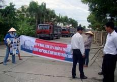 """Quảng Bình:  Đình chỉ hoạt động nhà máy xi măng """"hành"""" dân"""