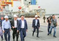 Phó Thủ tướng Vương Đình Huệ thăm Cảng Hải Phòng