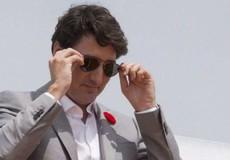 Không kê khai chiếc kính râm được tặng, Thủ tướng Canada bị phạt tiền