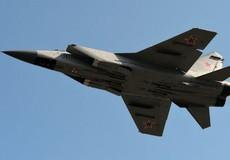 Bốc cháy dữ dội, máy bay tiêm kích đánh chặn Nga rơi xuống sa mạc