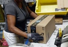 Amazon tiên phong tăng lương lên 15 USD/giờ cho người lao động