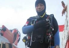Phát hiện thân và động cơ máy bay bị rơi ở Indonesia, một thợ lặn thiệt mạng