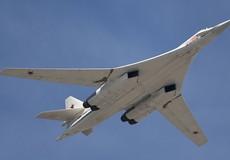 Nga điều hai máy bay ném bom chiến lược Tu-160 tới Venezuela