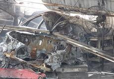 2 ô tô cháy trơ khung trong trong đám cháy gần trụ sở VFF