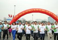"""Gần 8.000 người tham dự  """"Ngày chạy Olympic - Vì sức khỏe toàn dân"""""""