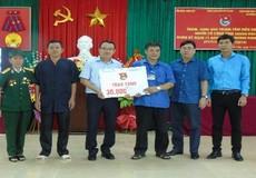 Đoàn thanh niên Bộ Tư pháp thăm và tặng quà tại trung tâm điều dưỡng người có công tỉnh Thanh Hóa