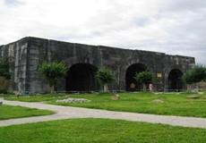 Đại sứ quán Mỹ trao tặng 92.500 USD để tu sửa mái vòm cổng Thành nhà Hồ