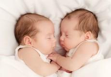 Tìm ra cha mẹ thật cho hai đứa trẻ bị hoán đổi khi mới sinh