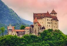 10 cung điện xa hoa của hoàng gia ở châu Âu