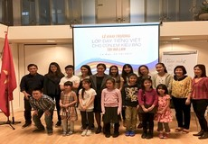 Khai  giảng lớp học tiếng Việt cho con em kiều bào tại Hà Lan