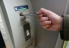Rút trộm tiền trong ATM, hai đối tượng người nước ngoài lĩnh án
