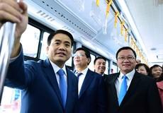 Chủ tịch Hà Nội trải nghiệm xe buýt nhanh