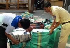 Cải tạo thùng xe giấu 21.000 bao thuốc lá lậu