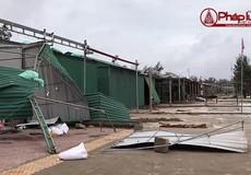 Bão số 2 càn quét Nghệ An - Hà Tĩnh: 1 người chết, nhiều cây đổ, nhà tốc mái
