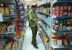 Hà Nội: Quản lý thị trường tăng cường kiểm tra tháng cuối năm