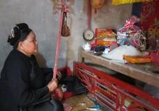 Chuyện lạ: Cúng cho người sống, không cúng giỗ ông bà tổ tiên