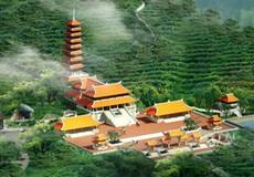 Kỳ công rước tượng Phật Ngọc lớn nhất thế giới lên chùa trên núi