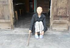 Bà cụ neo đơn chống chọi căn bệnh ung thư giai đoạn cuối