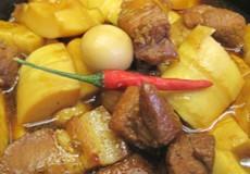 Măng kho thịt trứng cút hấp dẫn cho bữa cơm gia đình