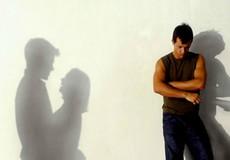 Nửa đêm về nhà thấy vợ trong tay người khác và cái kết ám ảnh