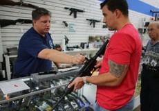 Vì sao quá nhiều người dân Mỹ sở hữu súng đạn?