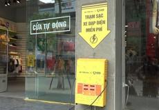 Sạc xe đạp điện miễn phí trên đường Hà Nội