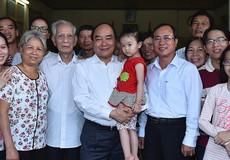Thủ tướng Nguyễn Xuân Phúc: Đừng để công nhân không có tiền về quê.