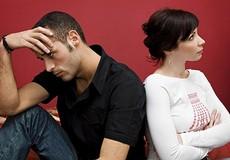 Chồng dẫn vợ bé về ra mắt trong ngày tang cha đòi ly hôn
