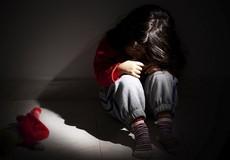 Mẹ sơ ý, con gái 4 tuổi bị hãm hiếp ở Phú Thọ