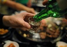 """Phòng chống tác hại rượu, bia: Cần bắt đầu từ ý thức """"uống có trách nhiệm"""""""