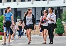 Hàng trăm bạn trẻ lan tỏa tình yêu Hà Nội tới du khách