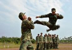 Lính trinh sát luyện tập như phim hành động