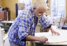 Người già đi làm, tại sao không?
