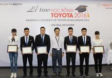 TMV trao học bổng cho sinh viên xuất sắc chuyên ngành kỹ thuật và môi trường