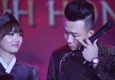 Trấn Thành khóc khi nhìn lại hành trình yêu Hari Won trong đám cưới