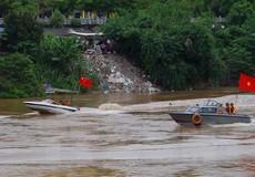 Việt - Trung tuần tra chung trên sông Hồng ngày đầu năm mới