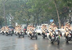 Cảnh sát ra quân phát động Năm an toàn giao thông