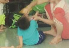 Những đứa trẻ ăn cơm với... thằn lằn, thú nhún