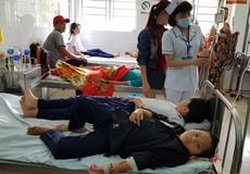 20 học sinh nhập viện nghi ngộ độc thực phẩm