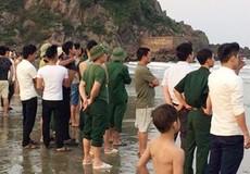 Hai nam sinh mất tích trên biển khi chụp ảnh kỷ yếu